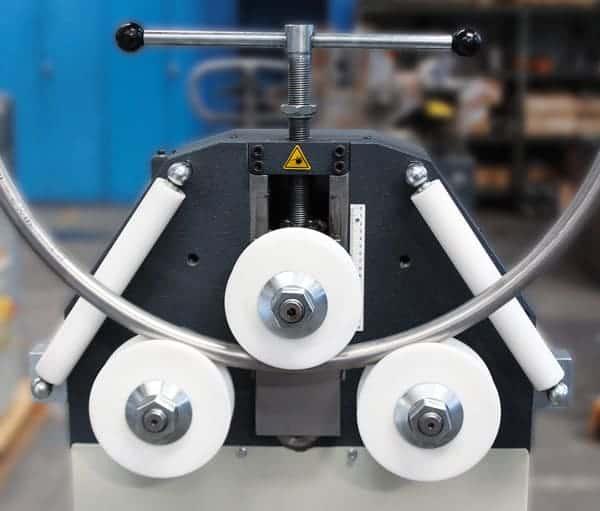 machine à cintrer les tubes en inox pour main courante
