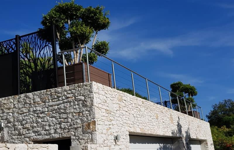 rambarde inox sur terrasse en Corse